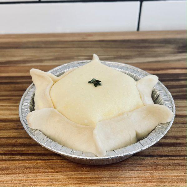 Small chicken and mushroom pie